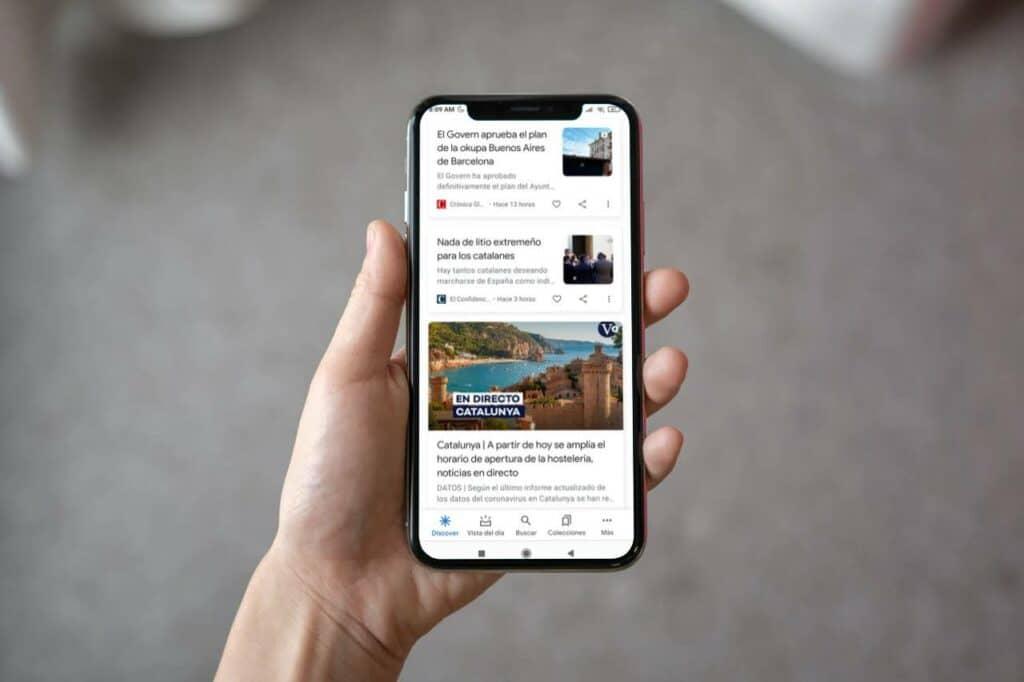 Visual de Google Discover en un móvil